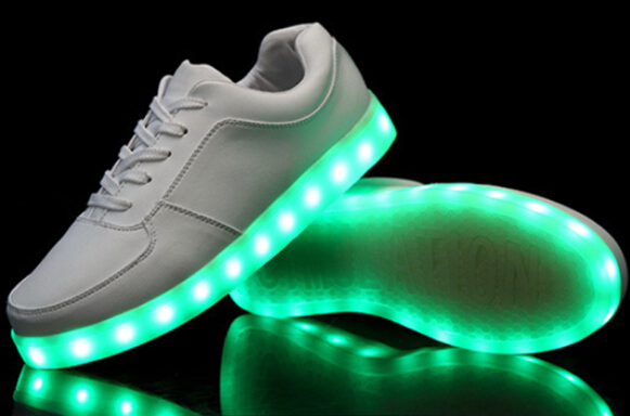 gebrauchte led schuhe leuchtend farbwechsel sneaker tanzschuhe weiss gr e 40 ebay. Black Bedroom Furniture Sets. Home Design Ideas